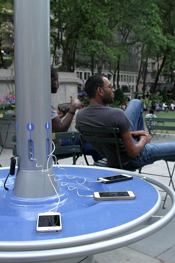 CityCharge太阳能手机充电桩