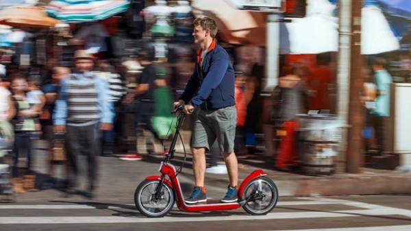 MINI-Citysurfer-electric-scooter-concept_dezeen_04_644