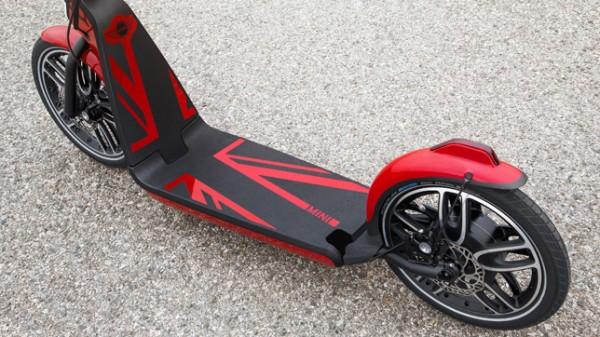 MINI-Citysurfer-electric-scooter-concept_dezeen_05_644