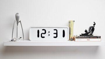 真正的液晶显示时钟Rhei