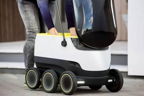 快递小哥已哭瞎,这个快递机器人明年上市!