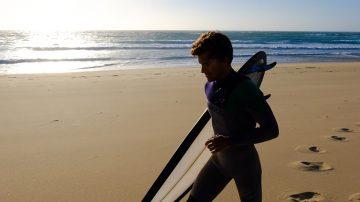 manuel chichorro打造半透明冲浪板hiveboard
