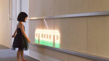 奔跑吧,纯真的梦想!大人小孩都会驻足的医院互动墙