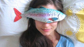 为什么要把一条鱼放在眼上?它将会舒缓你眼睛一天的工作压力!