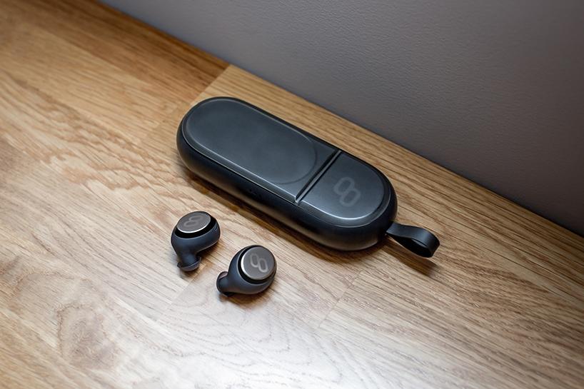 可同步翻译多国语言的智能耳机设备Mymanu Clik