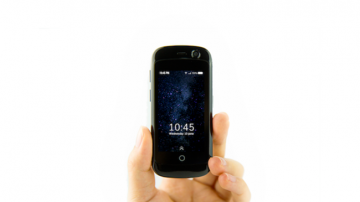 全球最小的4G智能手机Jelly  能放得进牛仔裤零钱袋