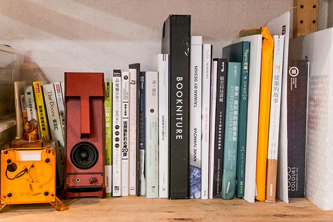 精装书一秒变椅凳!BOOKNITURE翻转你的居家空间
