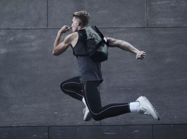X-OVER背包 拒绝平庸轮廓,是你低调的炫耀