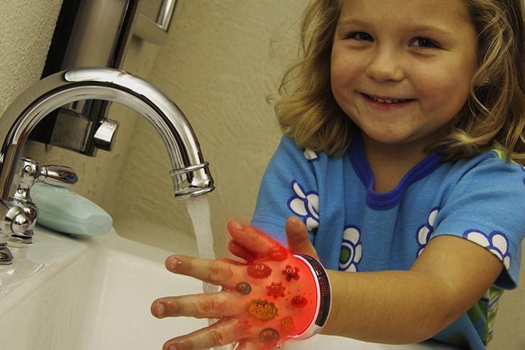 HP+ 儿童智能手环,让孩子养成良好的饮食习惯