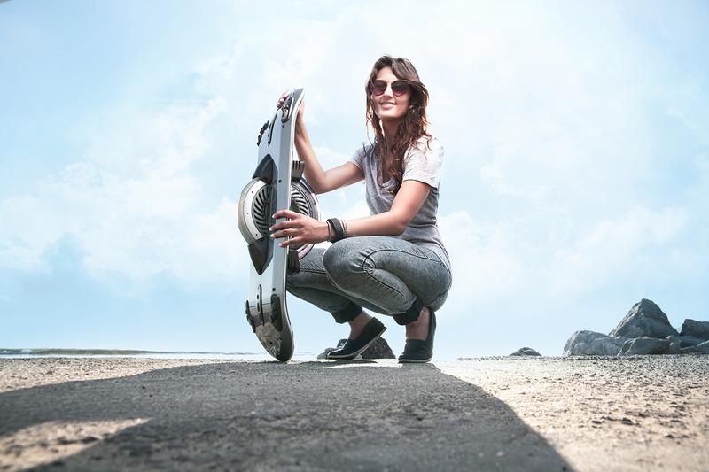 Hoverboard 单轮电动滑板车