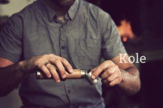复古而不失时尚的便携保温酒壶 Kole