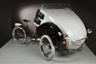 创世之作仍旧经典的雪铁龙复古电动三轮车2CV Pairs