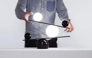 黑白之间的巧妙平衡!灯具魔术师的Balance台灯