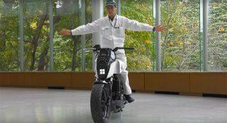 放开双手轻松驾驭本田自平衡摩托车