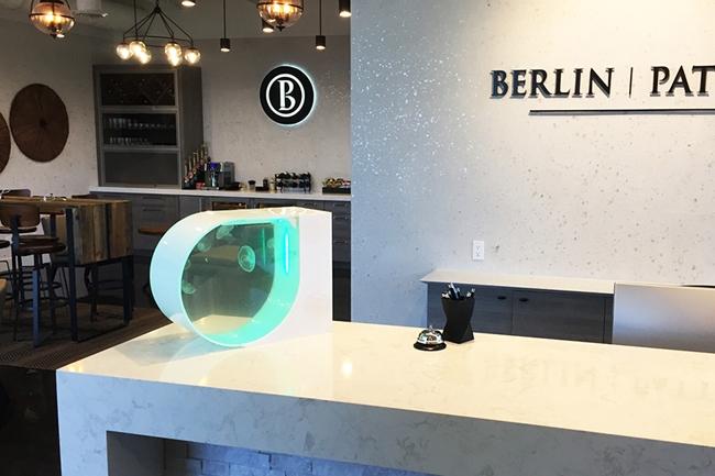 模拟自然水流的简约水族箱JellyTank