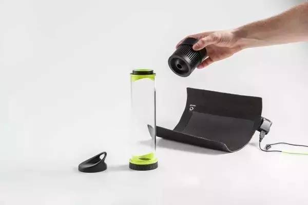 这个水杯厉害了,一天可以凭空造水20多杯!