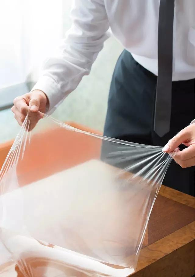 这款可以剥离的透明油漆,能够帮你抹平物品划痕