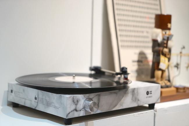 享受黑胶音乐超轻松,快装上「Spinbox 傻瓜唱机」一起优雅旋转